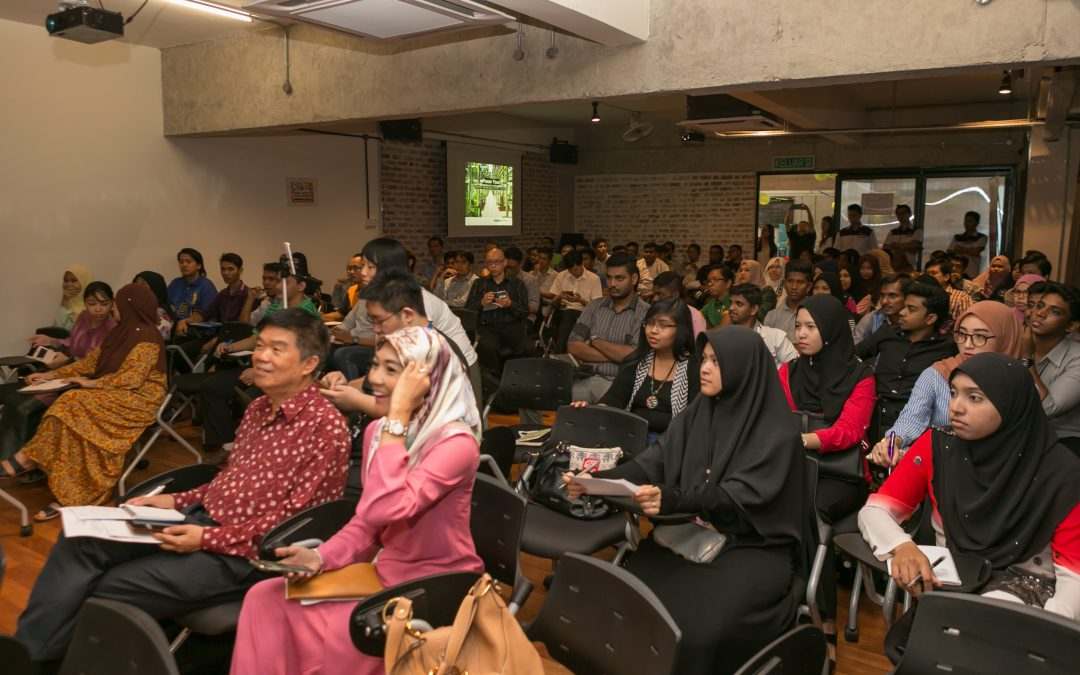 Bahasa Malaysia E-Commerce Class on Social Media Marketing draws crowd in the triple digits