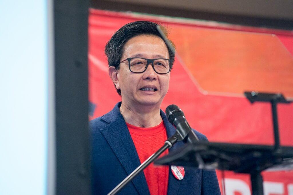 YB Dato Teng Chang Khim, addressing the crowd