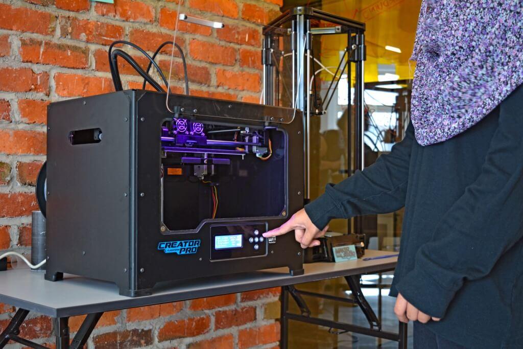 Pencetak 3D di Maker Studio SDCC